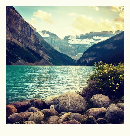Foto auf dem Weg um den Lake Louise in Banff, in den Rocky Mountains, Banff Nationalpark, Alberta, Kanada.