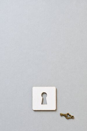 a key and paper keyhole photo