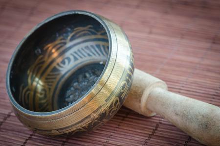 tibet bowls: Tibetan singing bowl