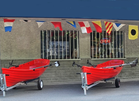 ボートのサンプルとボート レンタル店の前 写真素材 - 21652631