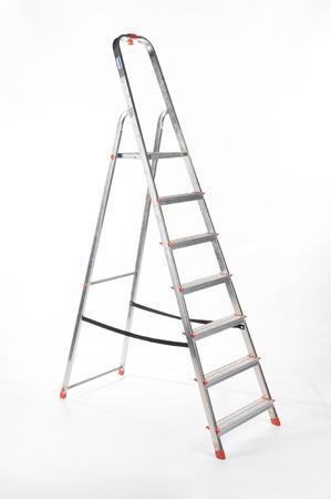 白い背景の上のアルミはしご 写真素材