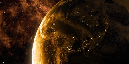 Zonsopgang in de ruimte. Zicht op de nacht Aarde met stadslichten. Regio Azië. Gouden, oranje en gele kleurenschema. Elementen van deze afbeelding geleverd door NASA. 3D illustratie Stockfoto
