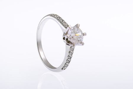 White gold wedding engagement ring