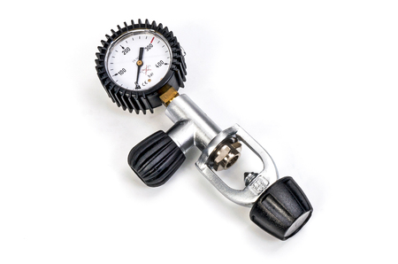 aqualung: Pressure gauge scuba gas regulator