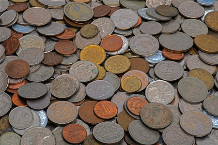 monedas antiguas: Old coins, different sizes, from different countries
