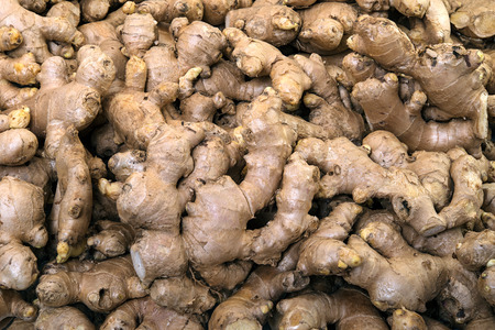 Organic ginger on display for sale in the fresh vegetable market Zdjęcie Seryjne - 75960855