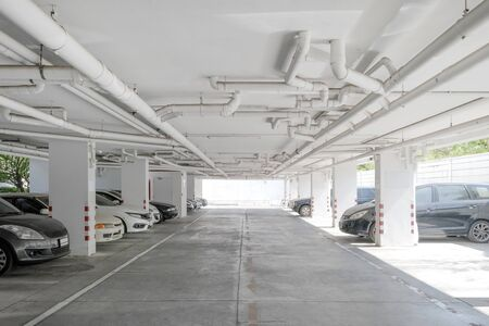 Water pipe system. Installation of water pipe in the building. Water pipe transport system in the building. 版權商用圖片 - 127118724