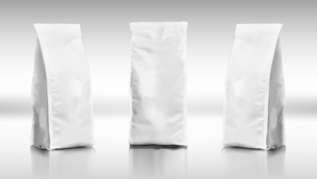 Set Di Borse Alte Per Alimenti In Plastica Realistici. EPS10 Vector