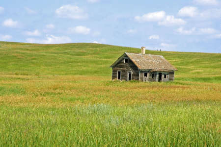 Old House on the Minnesota Prairie Imagens - 3452941
