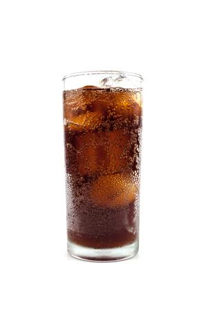 gaseosas: beber cola en vidrio Foto de archivo