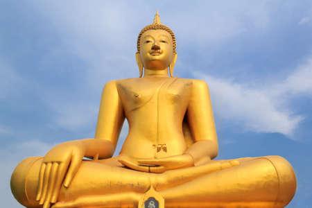 the golden buddha statue Stock Photo - 16937175