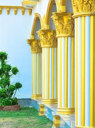 academia: Golden pillars house