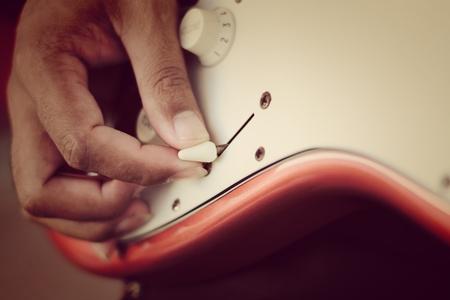 tremolo: hand on tone control