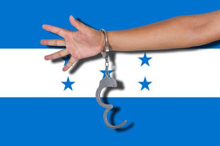 bandera honduras: esposas con la mano en la bandera de Honduras