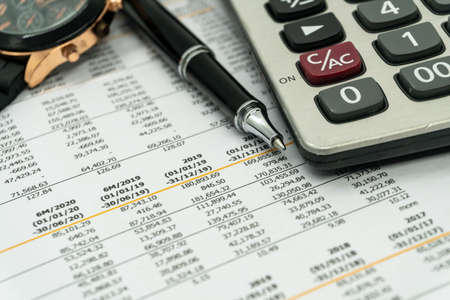 financial statement read and check number for business analysis