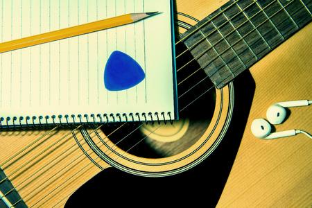 papier a lettre: Guitare avec pancil.