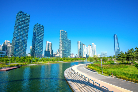incheon: INCHEON, SOUTH KOREA - MAY 20 : Songdo Central Park is the green space plan,inspired by NYC. Photo taken May 20,2015 in Incheon, South Korea.