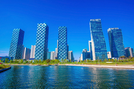 INCHEON, SOUTH KOREA - MAY 20 : Songdo Central Park is the green space plan,inspired by NYC. Photo taken May 20,2015 in Incheon, South Korea.