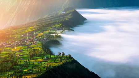 Cemoro lawang village at mount in Bromo tengger semeru national park, East Java, Indonesia Imagens