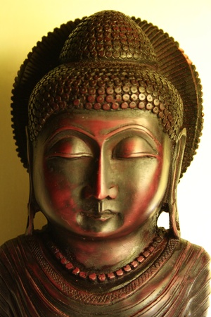 moksha: Buddha statue