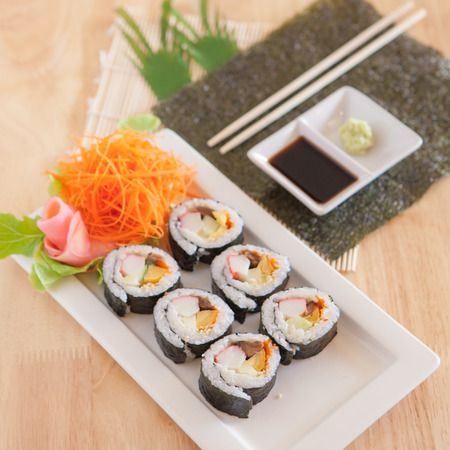 Sushi with selective focus and low contrast