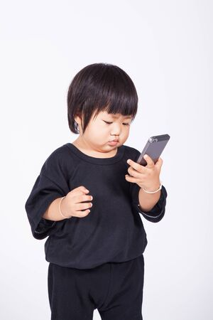 olds: 1 year olds kid use phone