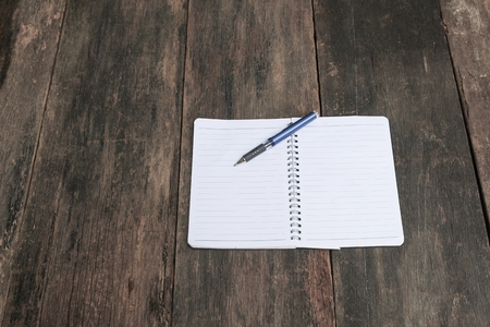 lapis: notebook crumpled paper wrinkled blank  white  on the desk, business concept