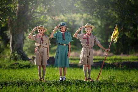 Scout salute Banque d'images