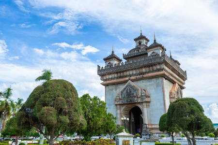 Patuxai Gate in the Thannon Lanxing area of Vientiane,Laos 版權商用圖片