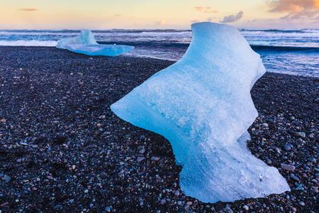 icefjord: Ice on black sand beach