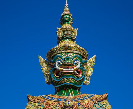 Hoofd van Giant standbeeld