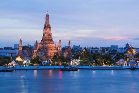 city buildings: The Temple of Dawn called Wat Arun river front, Thailand most famous landmark Stock Photo