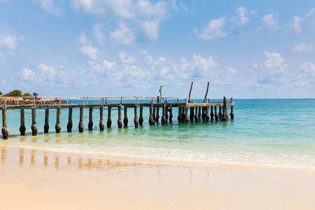 hatteras: Fishing boat jetty over the beach, natural landscape background