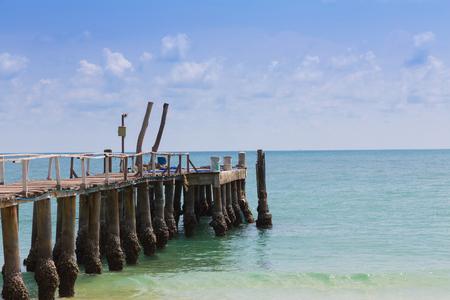 hatteras: Sea boat jetty on ocean skyline, natural landscape background