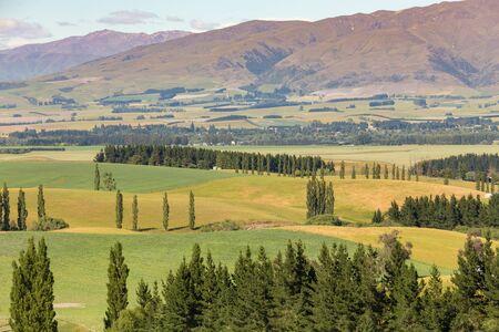 Beautiful mountain slope, New Zealand natural landscape background Standard-Bild - 139748241
