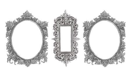 ovalo: antiguo marco de plata decorativos - hecho a mano, grabados - aisladas sobre fondo blanco Foto de archivo