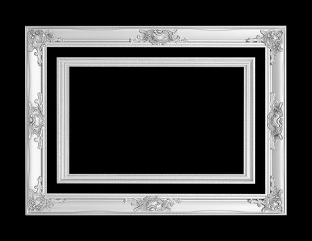 cornice d'argento antica isolata su sfondo nero con percorso di clipping
