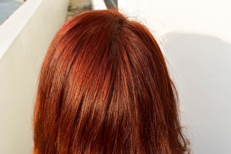 Asian women make red hair from chemicals to conceal gray hair and make it beautiful. But the use of chemicals in the hair. The scalp is weak, hair loss hair loss and split.