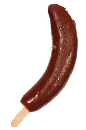 platano maduro: Inmersi�n en el chocolate del pl�tano fresco aislado sobre fondo blanco Foto de archivo