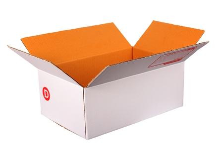 Kartonnen post doos geà ¯ soleerd op witte achtergrond Stockfoto