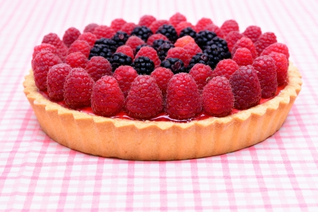 Raspberry and mulberry tart pie