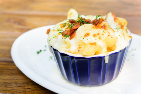 macaroni with cheese: Macaroni cheese and bacon