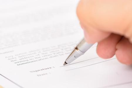 legal document: La firma de formulario de contrato