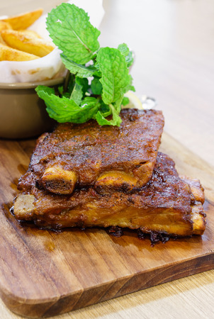 costilla: Costilla de cerdo asado