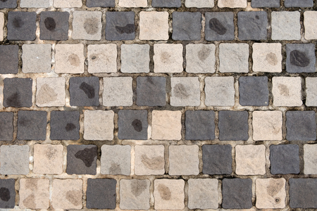 Wet old grunge stone brick foot path pavement background texture Imagens - 110962569