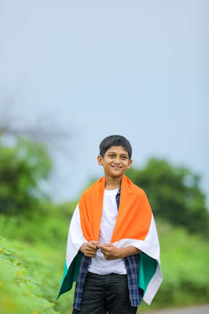 Cute little boy with Indian National Tricolor Flag Stockfoto - 160665065