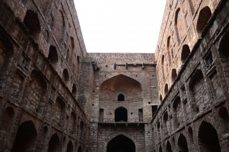 ki: Agrasen ki Baoli  Editorial