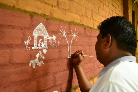 marathi: Warli Artist, Vikramgarh Editorial