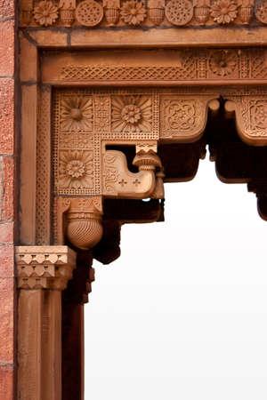Edad de Piedra: Antiguo ornamento en la puerta de abrir piedra decorativa  Foto de archivo
