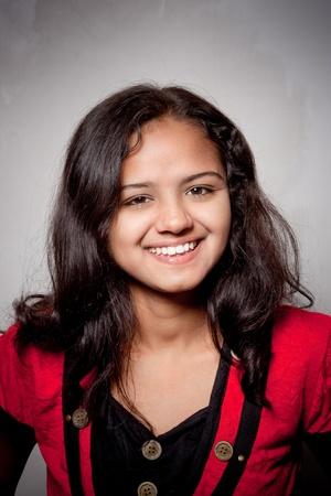 fille indienne: sourire de belle fille indienne